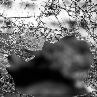 zerbrochenes Glas (Pixabay)