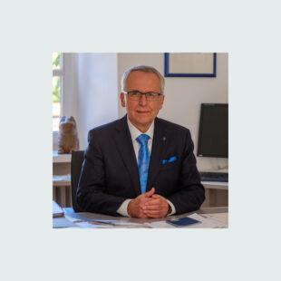Udo HAHN, Akademiedirektor